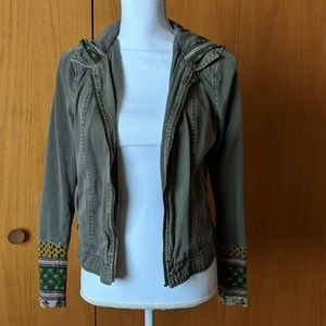 Adorable hooded jacket from the Buckle